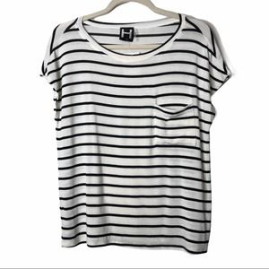 H by Bordeaux Ivory/Black Tee M
